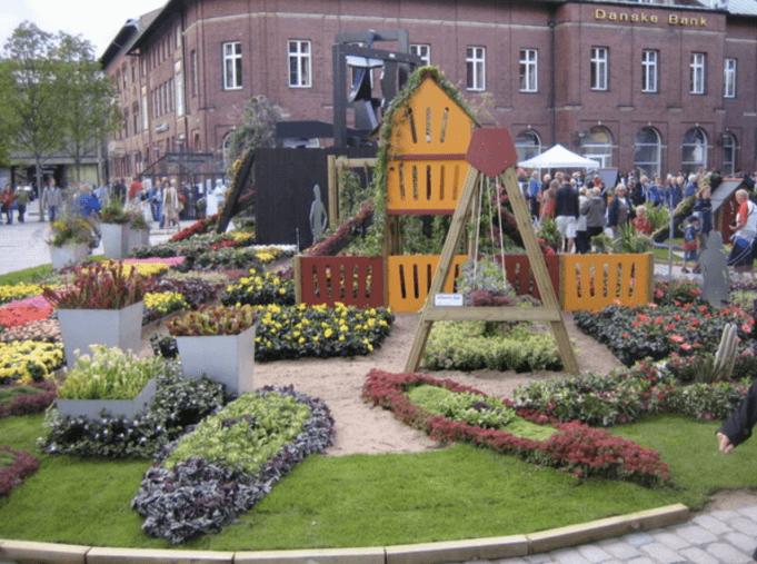 Legeplads midt i byen